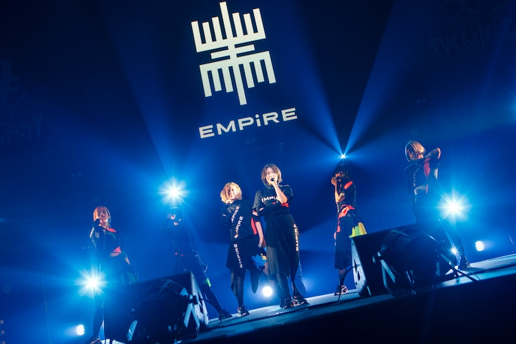 EMPiRE(Photo by sotobayashi kenta)
