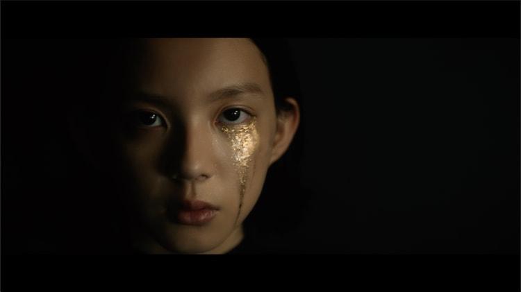 米津玄師「カムパネルラ」ミュージックビデオより。