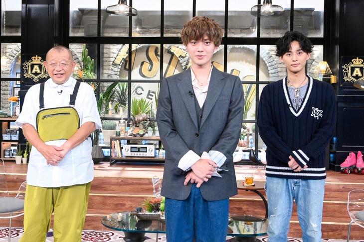 左から笑福亭鶴瓶、永瀬廉(King & Prince)、藤ヶ谷太輔(Kis-My-Ft2)。(c)TBS