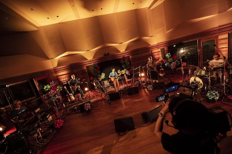 """「藤原さくら""""配信音楽会 2020""""」の様子。(撮影:田中聖太郎)"""