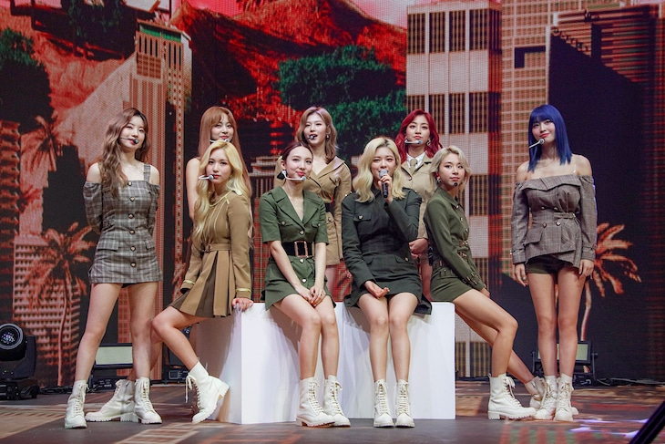 「Beyond LIVE - TWICE : World in A Day」の様子。(写真提供:JYP Entertainment)