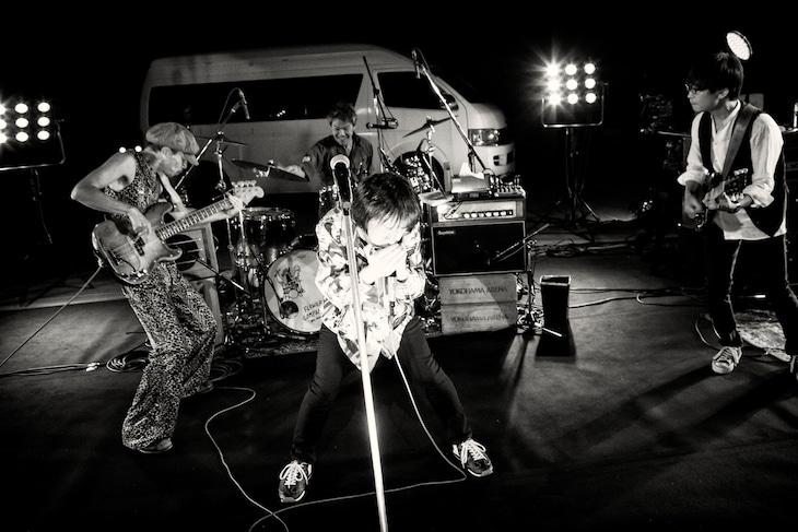 「フラカンの横浜アリーナ -リモートライヴ編- ~生き続けてる事は最大のメッセージ!~」の様子。(撮影:新保勇樹)