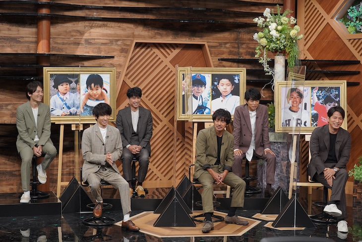 嵐とV6。(c)日本テレビ