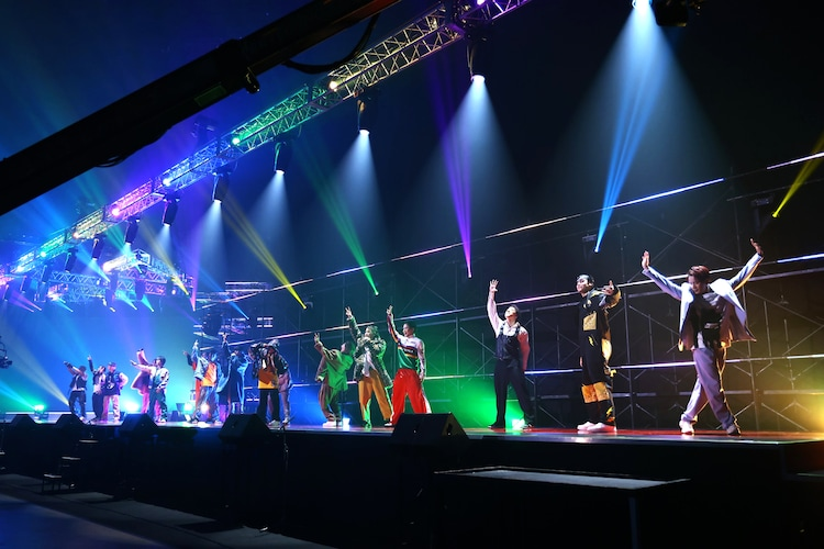 「LIVIN' IT UP」を披露するTHE RAMPAGE from EXILE TRIBE。(写真提供:LDH JAPAN)