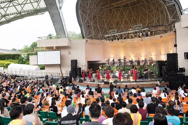 私立恵比寿中学「エビ中 秋麗と轡虫と音楽のこだま 題して『ちゅうおん』2020」の様子。