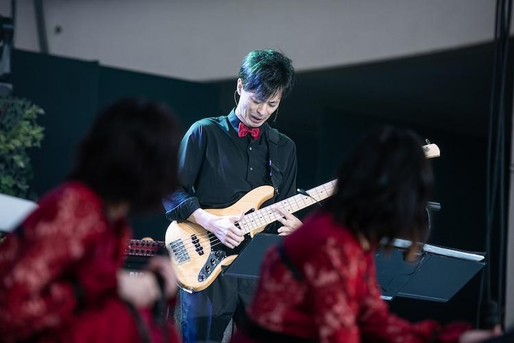エビ中バンドの島本道太郎(B)。
