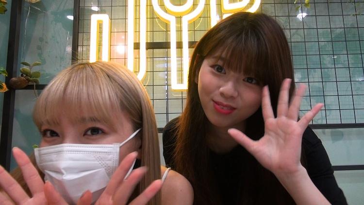 NiziU新オリジナルコンテンツより、マユカとリク。