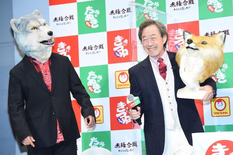 Jean-Ken Johnny(MAN WITH A MISSION)と武田鉄矢。