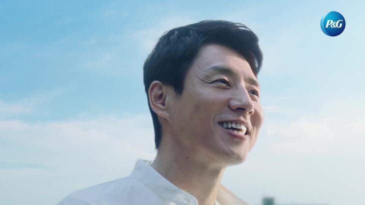 テレビCM「想いの架け橋~未来へ」編より。