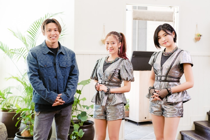 左からRIKU、小田さくら、加賀楓。