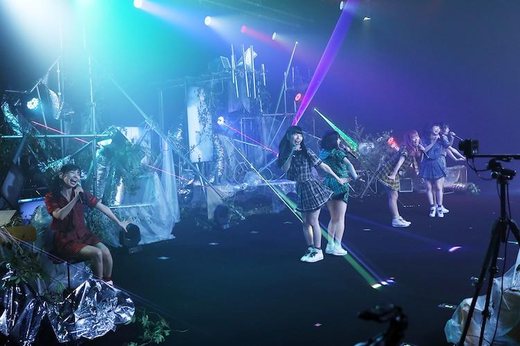 でんぱ組.inc「THE FAMILY TOUR 2020 ONLINE FINAL!!~ねぇ聞いて?宇宙を救うのはきっと……~」の様子。(撮影:チェリーマン)