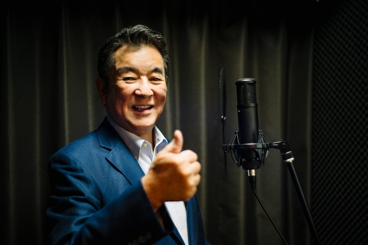 昨日11月19日に都内スタジオでボーカルトレーニングを行う加山雄三。