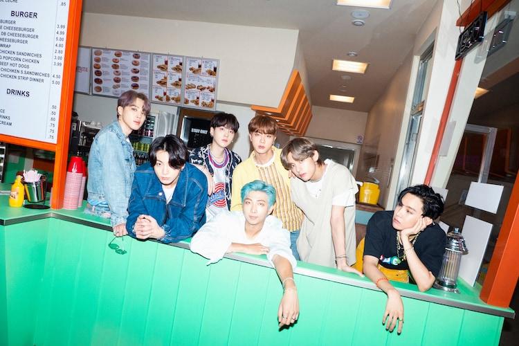 BTS「Dynamite」リリース時のコンセプトフォト。