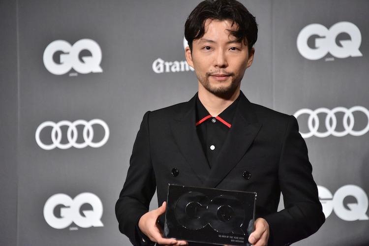 「GQ MEN OF THE YEAR 2020」を受賞した星野源。