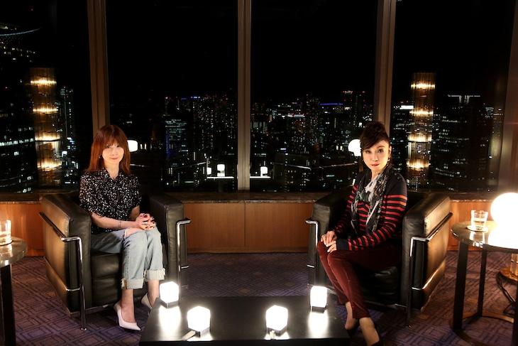「SONGS」で対談するYOUと松任谷由実。(写真提供:NHK)