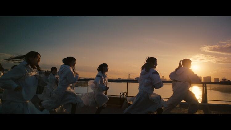 櫻坂46「Buddies」ミュージックビデオより。