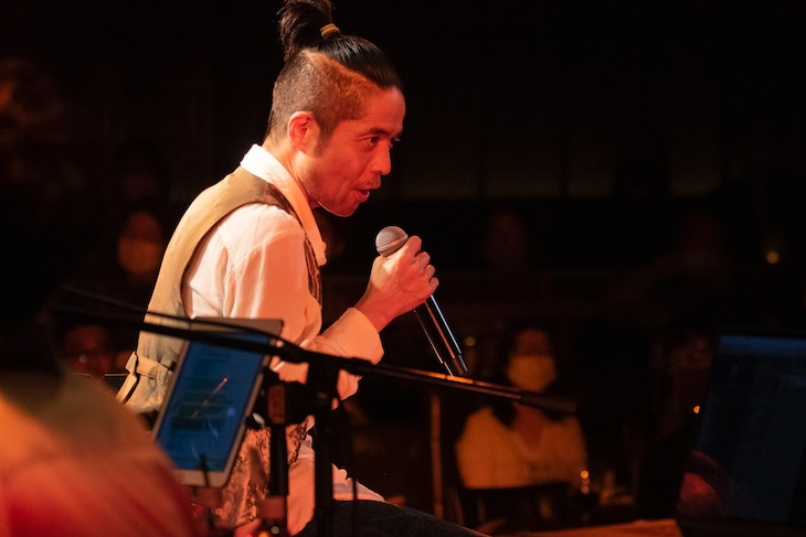"久保田利伸「TOSHINOBU KUBOTA ""Bossa & Lovers Rock Night""」の様子。(Photo by Tsuneo Koga)"