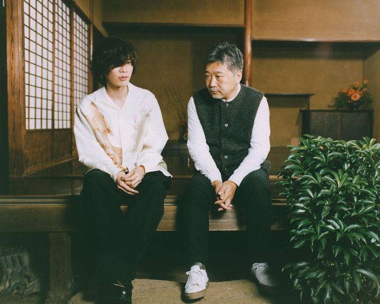 左から米津玄師、是枝裕和。(撮影:堀越照雄)