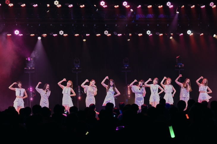 東京パフォーマンスドール「TPD誕生30周年キックオフ DANCE SUMMIT with the 1st Generation」の様子。(写真提供:EPICレコードジャパン)