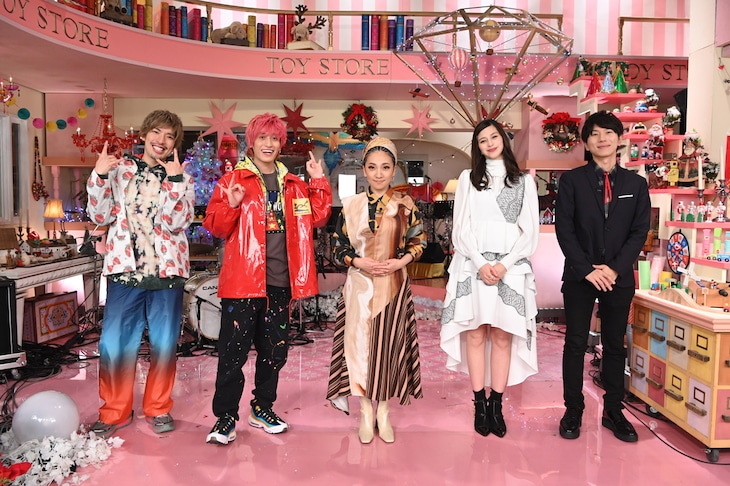 日本テレビ系「HAPPY クリスマス おもちゃ屋 MISIA」より。