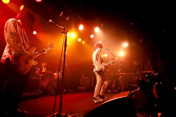 「NONOCULAR VIOLET TOUR」より。(写真提供:バッド・ミュージック)