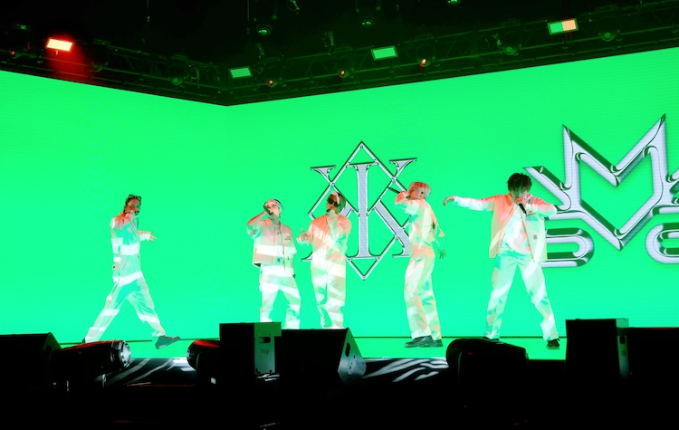"""「LIVE×ONLINE BEYOND THE BORDER """"THE RAMPAGE""""」の様子。(写真提供:LDH JAPAN)"""