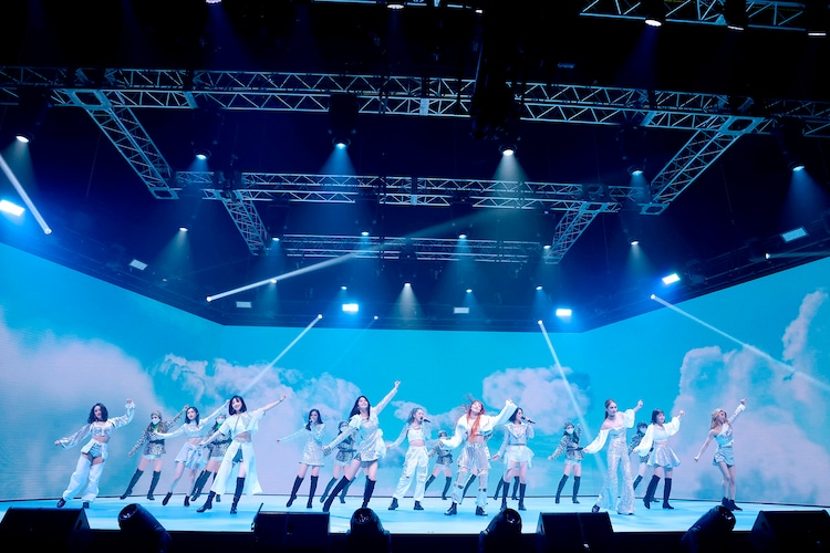 「LIVE×ONLINE BEYOND THE BORDER E-girls LAST LIVE」の様子。(写真提供:LDH)