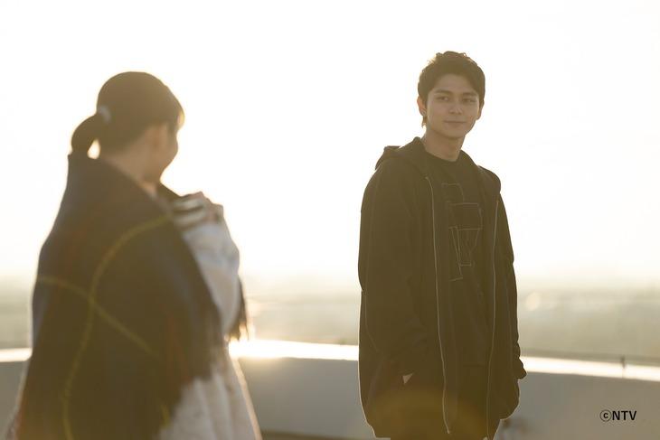 「クロノグラフ彗星」ミュージックビデオのワンシーン。