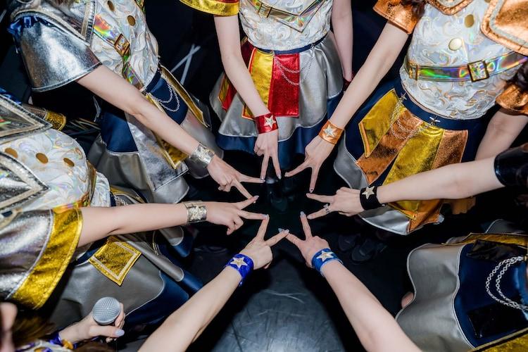 煌めき☆アンフォレントの新体制お披露目ツアー「新宇宙±ワープドライブII」初日公演の様子。(写真提供:日本コロムビア)