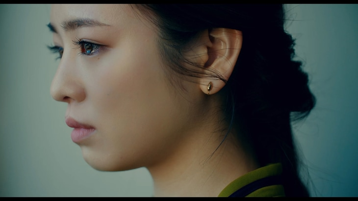 神山羊「色香水」ミュージックビデオのワンシーン。