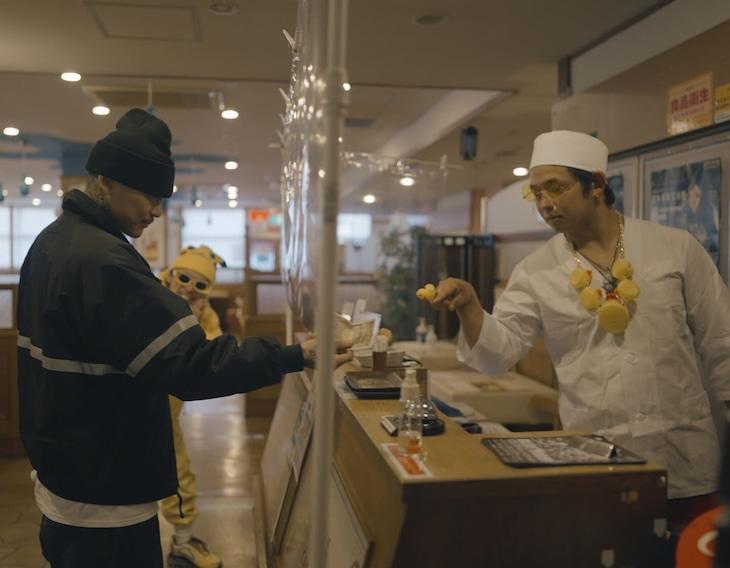 PizzaLove「TAKARU feat.JNKMN」ミュージックビデオより。