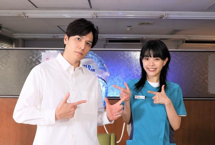 左から生田斗真、アイナ・ジ・エンド。(c)テレビ朝日