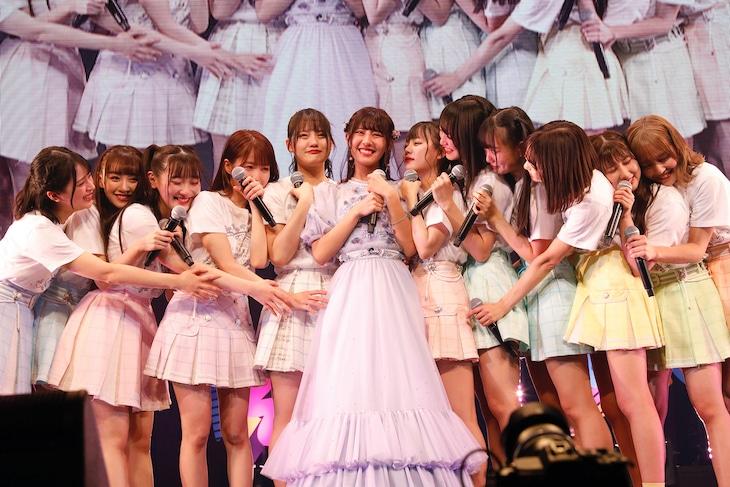 「=LOVE 佐竹のん乃卒業コンサート ~君のいる世界~」の様子。(写真提供:代々木アニメーション学院)