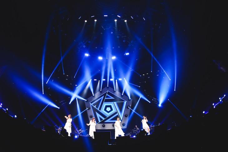 """「Little Glee Monster Arena Tour 2021 """"Dearest""""」大阪・大阪城ホール公演の様子。(撮影:渡邉一生)"""