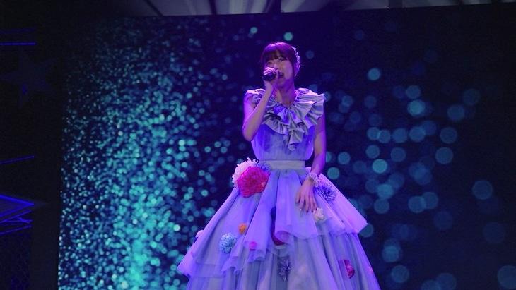 水瀬いのり「Inori Minase 5th ANNIVERSARY LIVE Starry Wishes」より「アイマイモコ」パフォーマンスの様子。