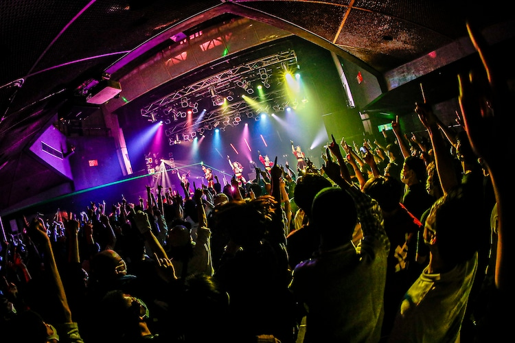 「Devil ANTHEM. SPRING TOUR 2021 Our Time Is Coming」初日公演の様子。(写真提供:エイジアプロモーション)