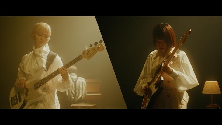 Hi Cheers!「monologue」ミュージックビデオのワンシーン。