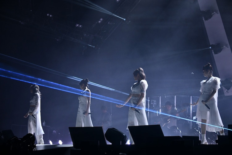 """「Little Glee Monster Arena Tour 2021 """"Dearest ∞ Future""""」さいたまスーパーアリーナ公演の様子。(Photo by Yusuke Satou)"""