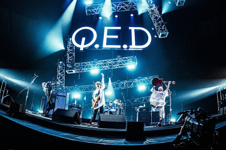 BLUE ENCOUNT「BLUE ENCOUNT ~Q.E.D : INITIALIZE~」横浜アリーナ公演の様子。(撮影:浜野カズシ)