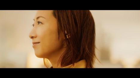 一青窈「6分」ミュージックビデオのワンシーン。