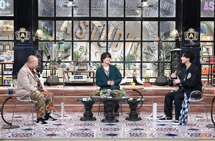 左から笑福亭鶴瓶、高橋海人(King & Prince)、藤ヶ谷太輔(Kis-My-Ft2)。(c)TBS