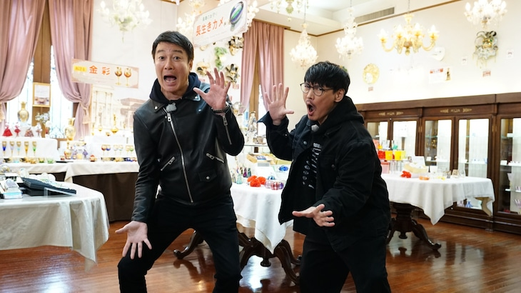 左から加藤浩次、山口一郎(サカナクション)。
