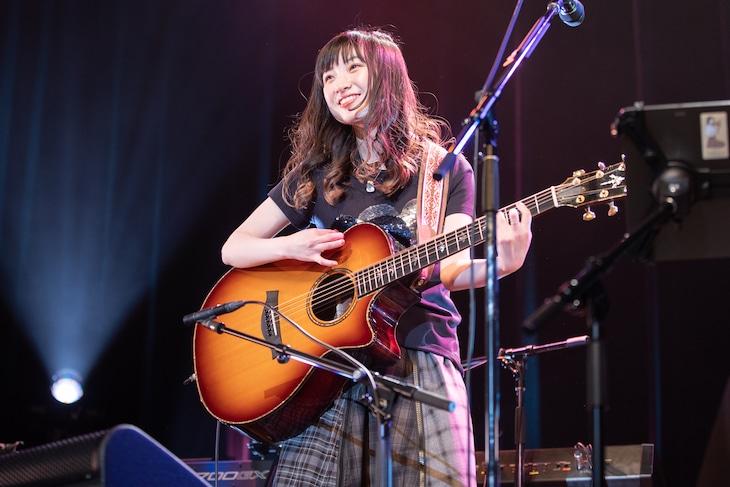 「有安杏果 サクライブ 弾き語りツアー2021」最終公演の様子。(写真提供:Apricot Music Records)