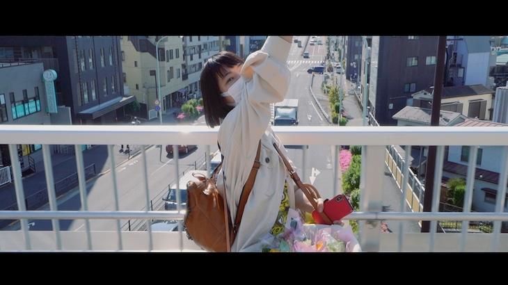 後藤まりこアコースティックviolence POP「アイラブユーは止まらない」MVより。