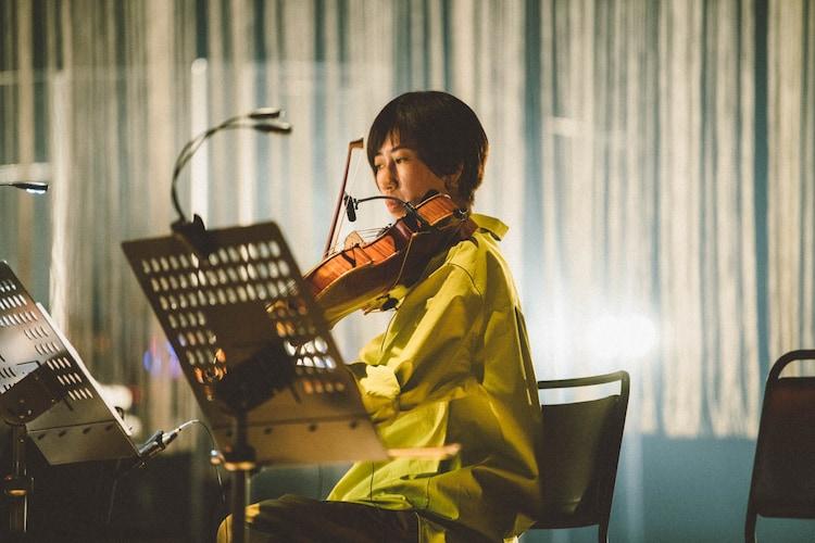 手島絵里子(Violin)(撮影:後藤武浩)