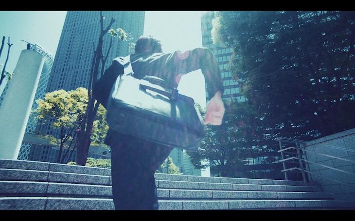 WANIMA「旅立ちの前に」ミュージックビデオより。