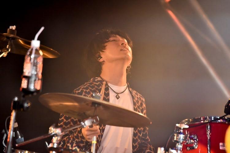 めゐびー(Dr / マルシィ)(Photo by AZUSA TAKADA)