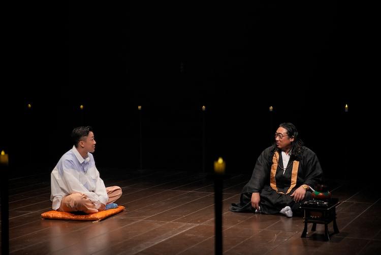 瑛人と秋山住職。(写真提供:NHK)