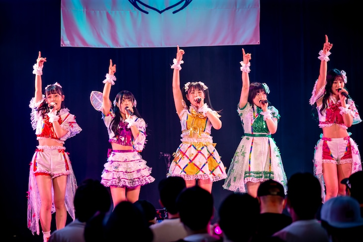 「Lily of the valley 3rd Anniversary Live『リリバリの誕生前夜』」の様子。(撮影:小林公士)