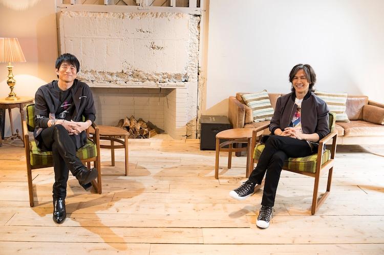 左から桜井和寿(Mr.Children)、稲葉浩志(B'z)。